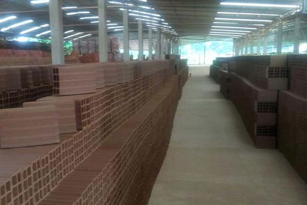 Olaria de tijolos em Rio Bonito