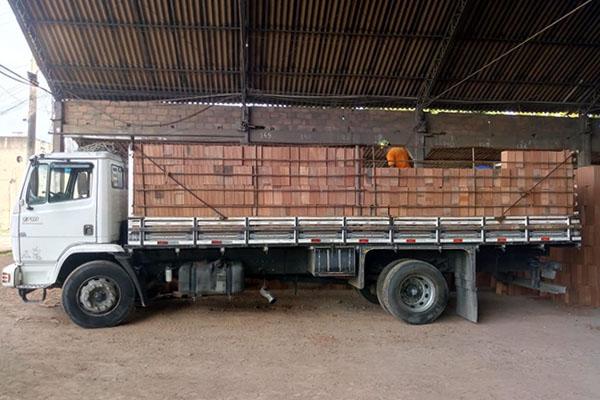preço-caminhão-de-tijolos